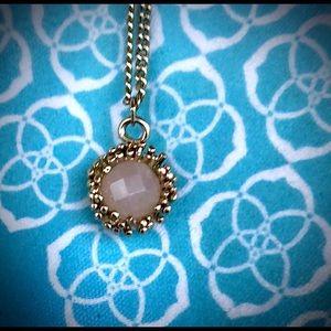 Kendra Scott Carly blush round pendant necklace